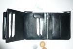 Kožená pánská peněženka s vnitřní zápinkou se zaoblenou spodní hranou