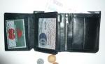Pánská kožená peněženka se zápinkou - ukázka vnitřního řešení