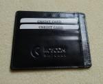 Kožené ploché pouzdro na kreditky ((10 ks), dvě postranní kapsičky a shora velká kapsa