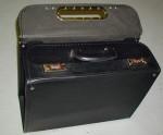 pilotní koženkový kufr