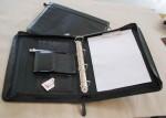 kožená spisovka A4 - zipová, vnitřní vybavení (kalkulačka, karty)